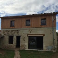 rénovation - réhaussement - vélux - kline - Bardage en planches brutes de sciage - tuiles canale romane